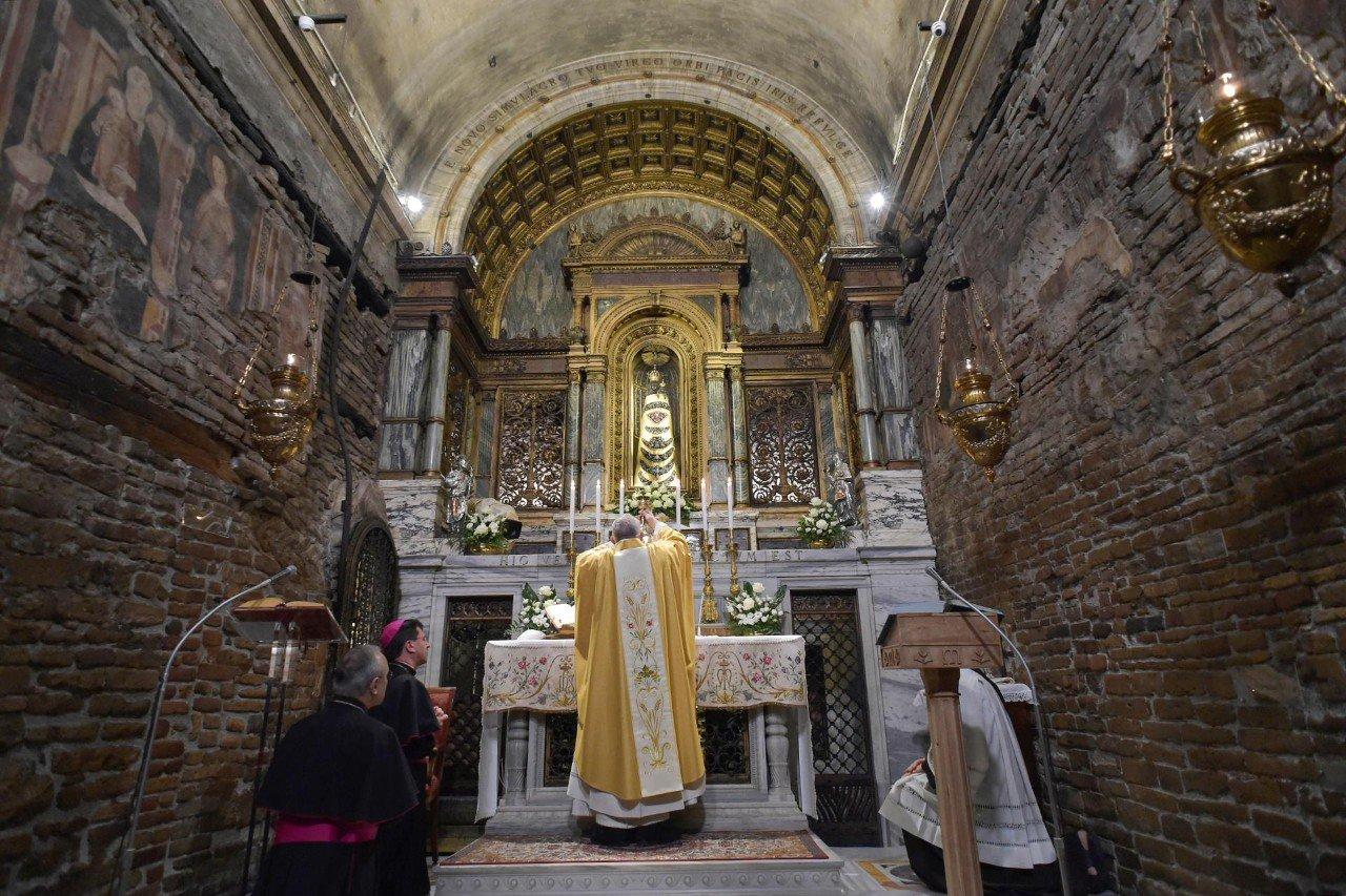 Папа приветствовал участников виртуального паломничества в Помпеи и Лорето