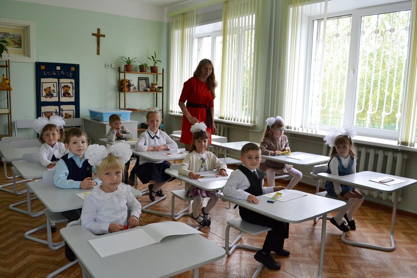 Новосибирский Минобр не стал вводить внеплановые каникулы из-за ковида