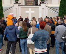 Гродненцы помолились за митрополита Тадеуша Кондрусевича, которого не пустили на родину