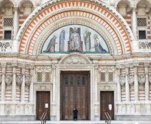 Британский премьер крестил сына в католическом соборе Лондона
