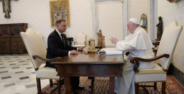 Папа встретился с президентом Польши