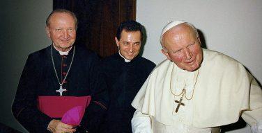 Папа молится об упокоении новопреставленного кардинала Яворского