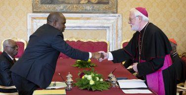 Вступило в силу соглашение между Ватиканом и Буркина-Фасо