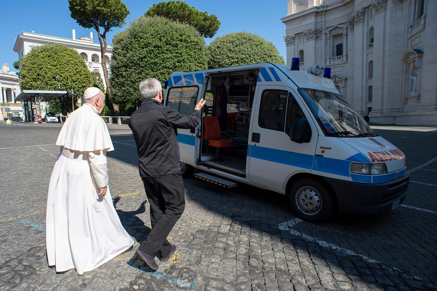 Как работает ватиканское здравоохранение