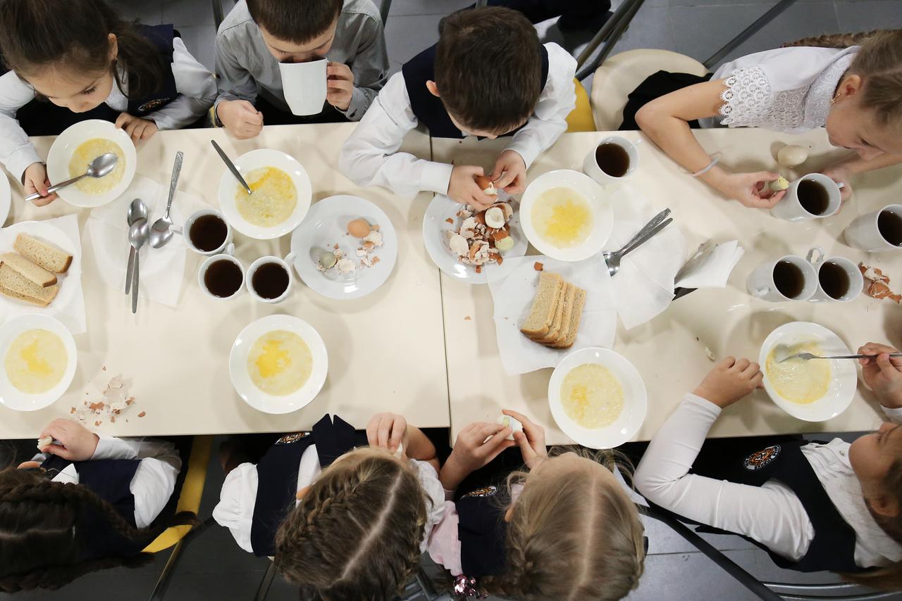 Школы в России смогут учесть религиозные особенности при составлении меню