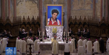 В Ассизи отслужили св. Мессу, на которой был беатифицирован представитель поколения миллениалов Карло Акутис (ВИДЕО и ФОТО)