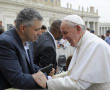Пресс-секретарь Архиепархии пояснил слова Папы Франциска об однополых союзах