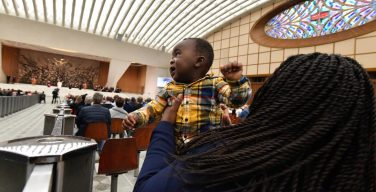 Общая аудиенция 21 октября. Папа: молитва побуждает созерцать мир глазами Бога