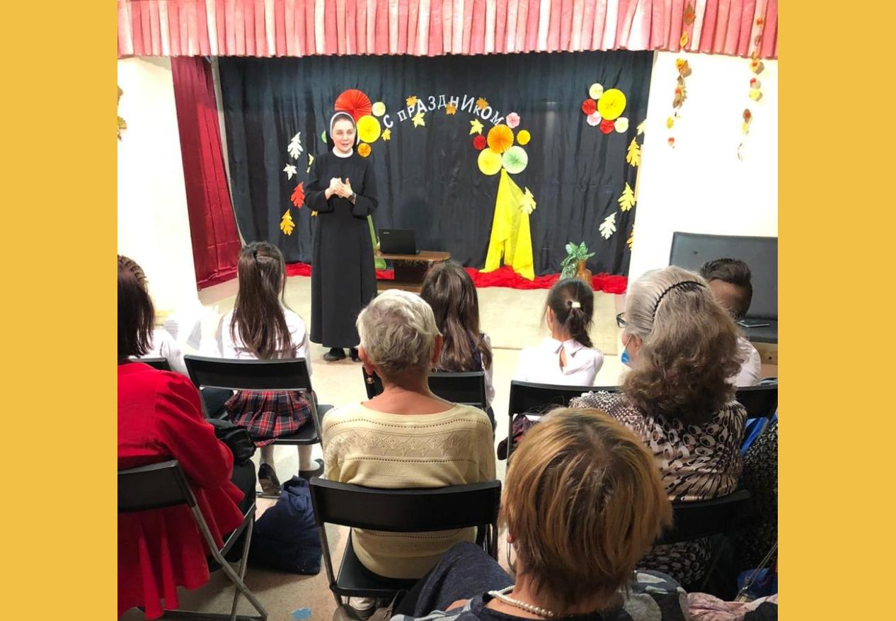 В благотворительной столовой Св. Николая состоялся концерт для пожилых людей (ФОТО)