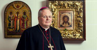 Ушел в отставку нунций Томас Галликсон. В 2011-2015 гг. он представлял Ватикан на Украине