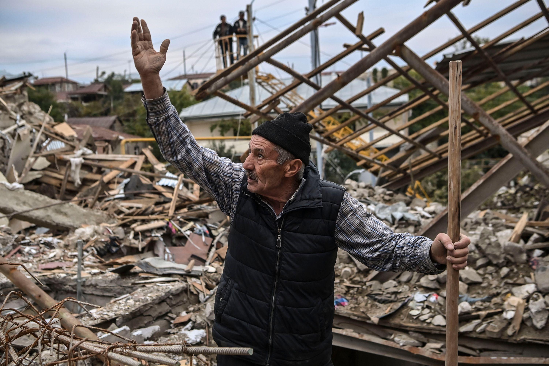 Папа опечален нарушением перемирия в Нагорном Карабахе