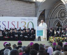 Во вторник Папа Франциск примет участие в межрелигиозном молебне о мире, который пройдет в Риме на площади Кампидольо