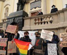 Церковь в Польше молится о своей стране, потрясённой протестами