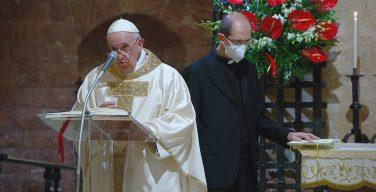 Папа поблагодарил переводчиков энциклики