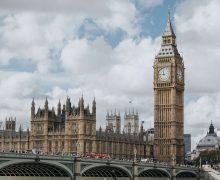 Церкви Британии призывают правительство простить долги беднейшим слоям населения