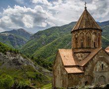 Гарегин II поблагодарил Президента России за сохранность культурного наследия армян в Карабахе