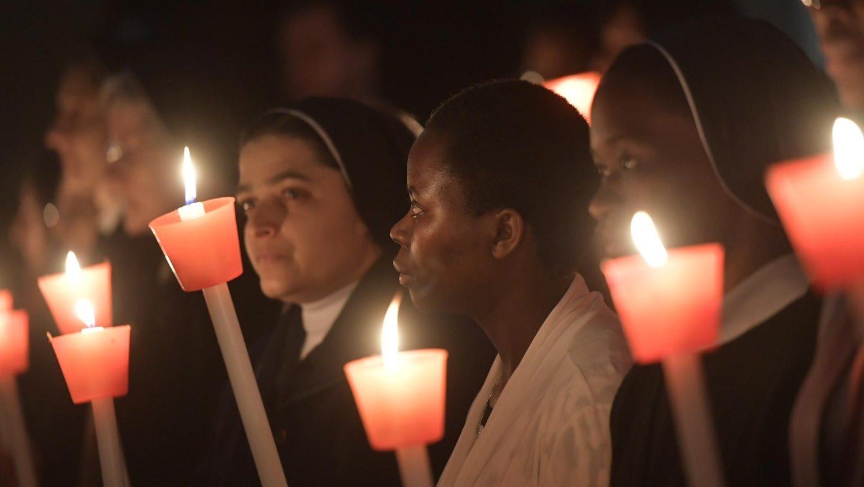 Папа изменил правила учреждения новых монашеских институтов