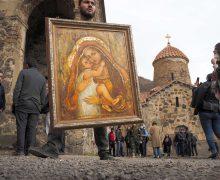 Президент Азербайджана пообещал защитить христианские святыни Нагорного Карабаха