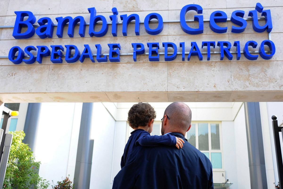 Ватиканской клинике вручена «детская» премия УЕФА