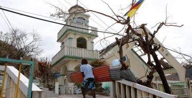 Папа молится о народах Центральной Америки, пострадавших от ураганов
