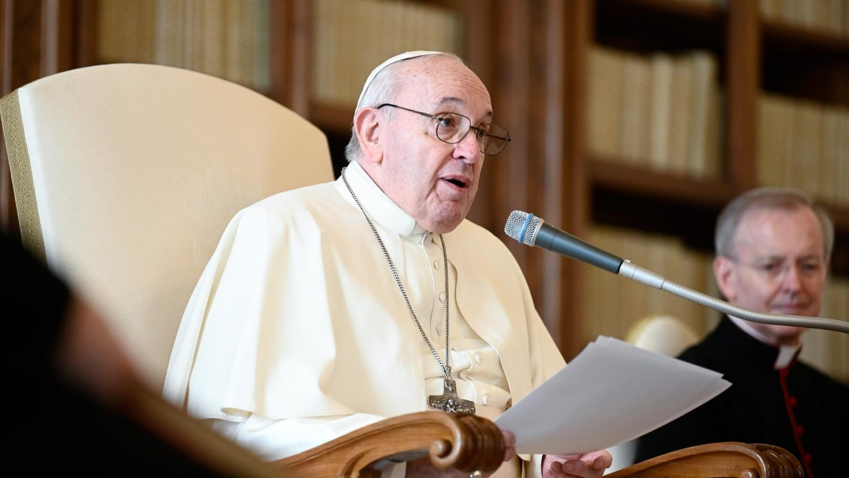 Папа Франциск на общей аудиенции: молясь, будем брать пример с Пресвятой Девы Марии (+ ФОТО)