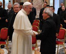 Папа – пресвитерам: исцелять мир от вируса безразличия