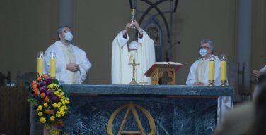 «В конце концов, Христос побеждает». Архиепископ Павел Пецци отслужил первую Мессу после выздоровления