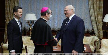 Монсеньор Гуджеротти встретился с президентом Белоруссии