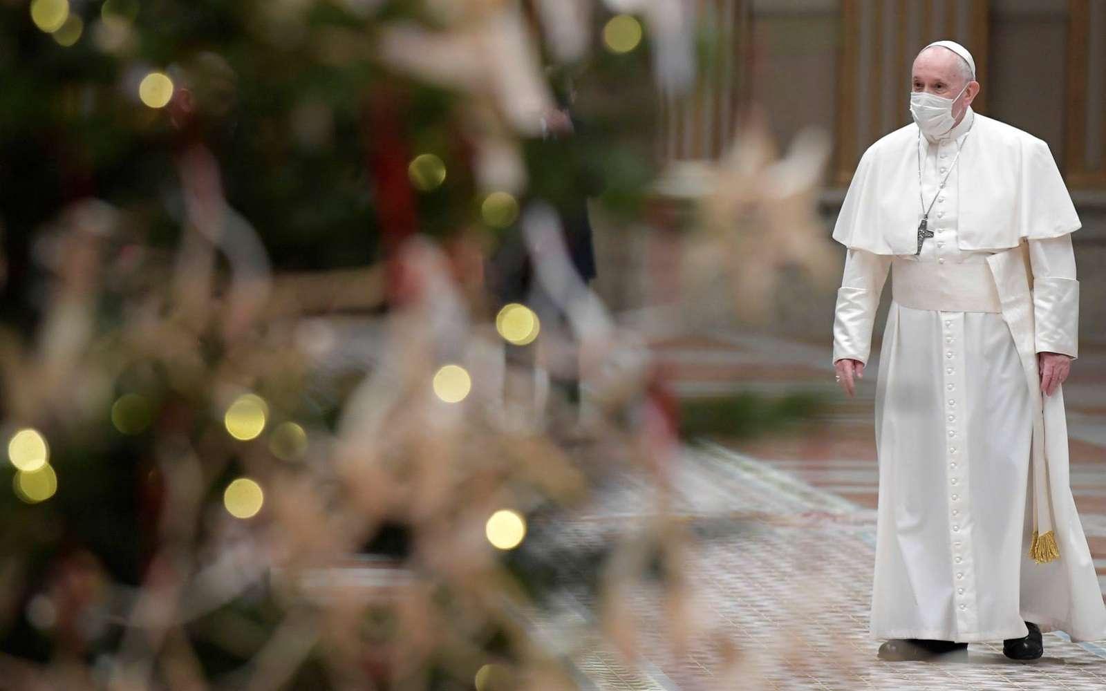 Папа молится о семьях, переживающих утрату