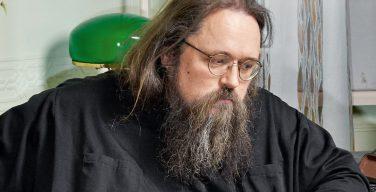 Епархиальный суд постановил лишить сана протодиакона Андрея Кураева