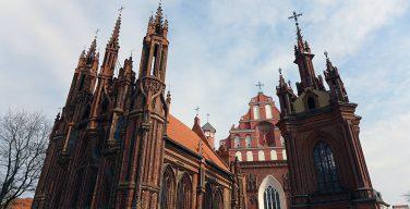 Сложное Рождество: с сегодняшнего дня в Литве приостановлены публичные службы в храмах