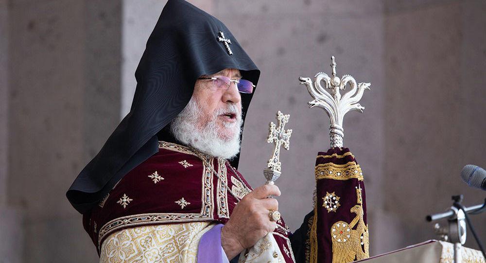 Патриарх-Католикос всех армян Гарегин II призвал премьер-министра подать в отставку