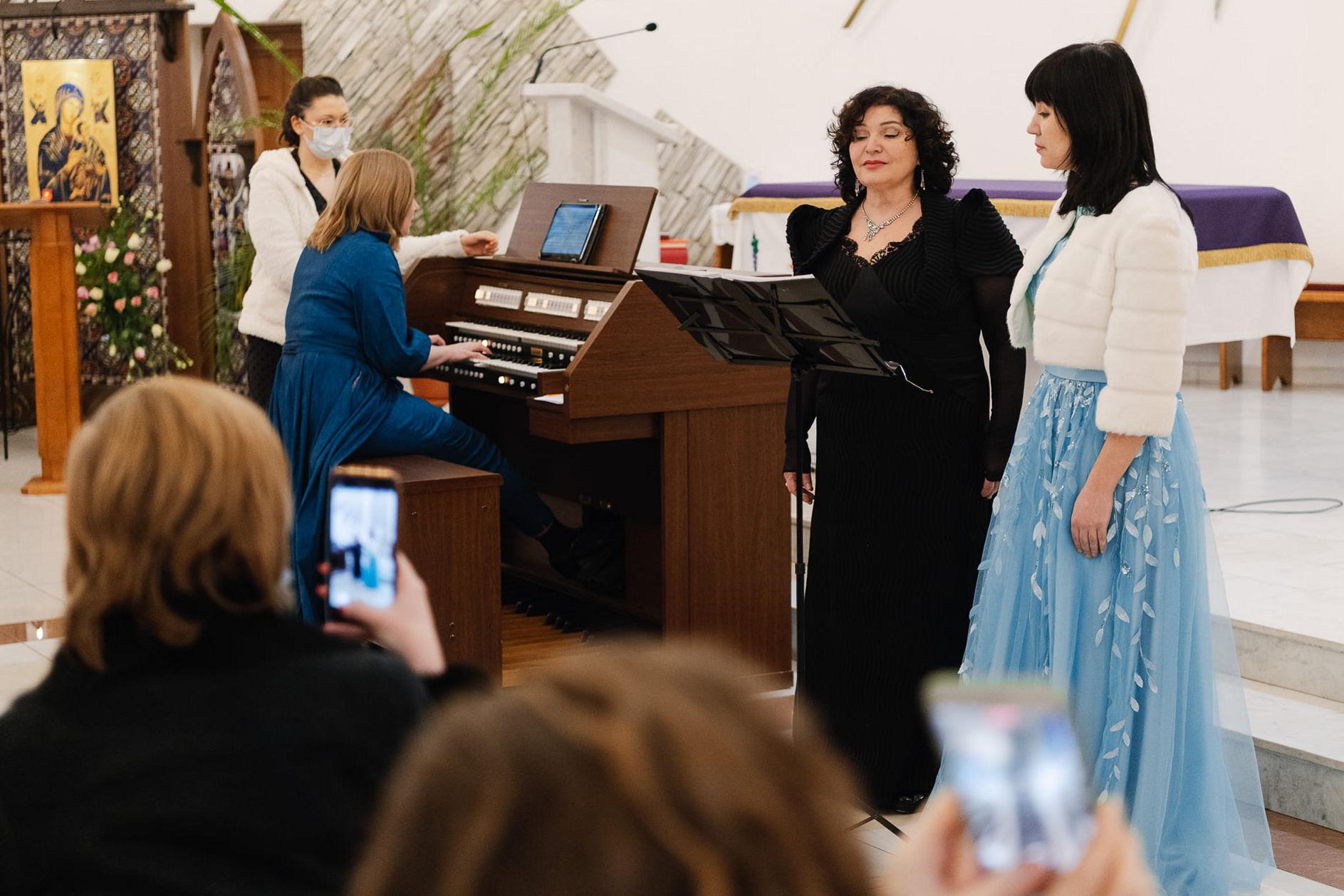 В третье воскресенье Адвента в католическом храме Кемерова состоялся концерт (ФОТО)