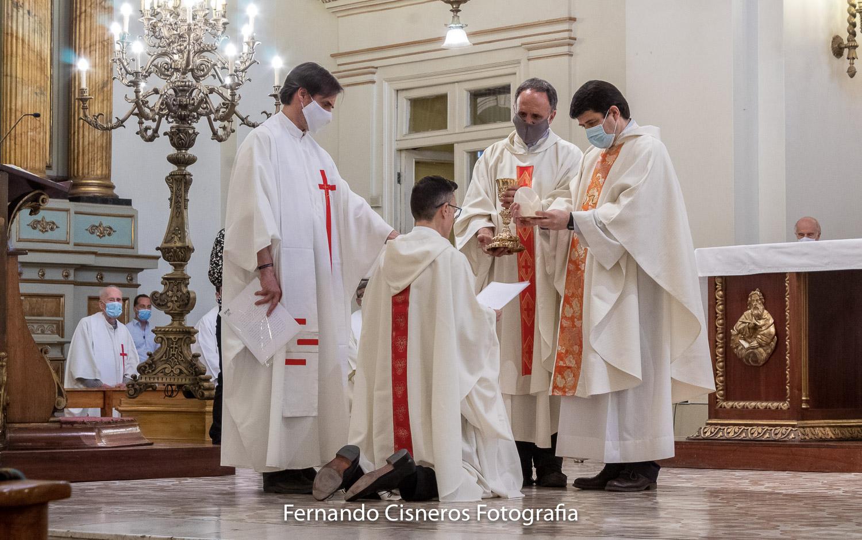 В Сантьяго-де-Чили отец Себастьян Прието Силва, SJ, принес вечные монашеские обеты