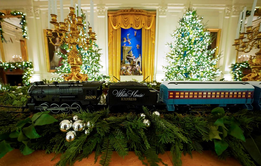 Мелания Трамп в последний раз украсила Белый дом к Рождеству (ФОТО)