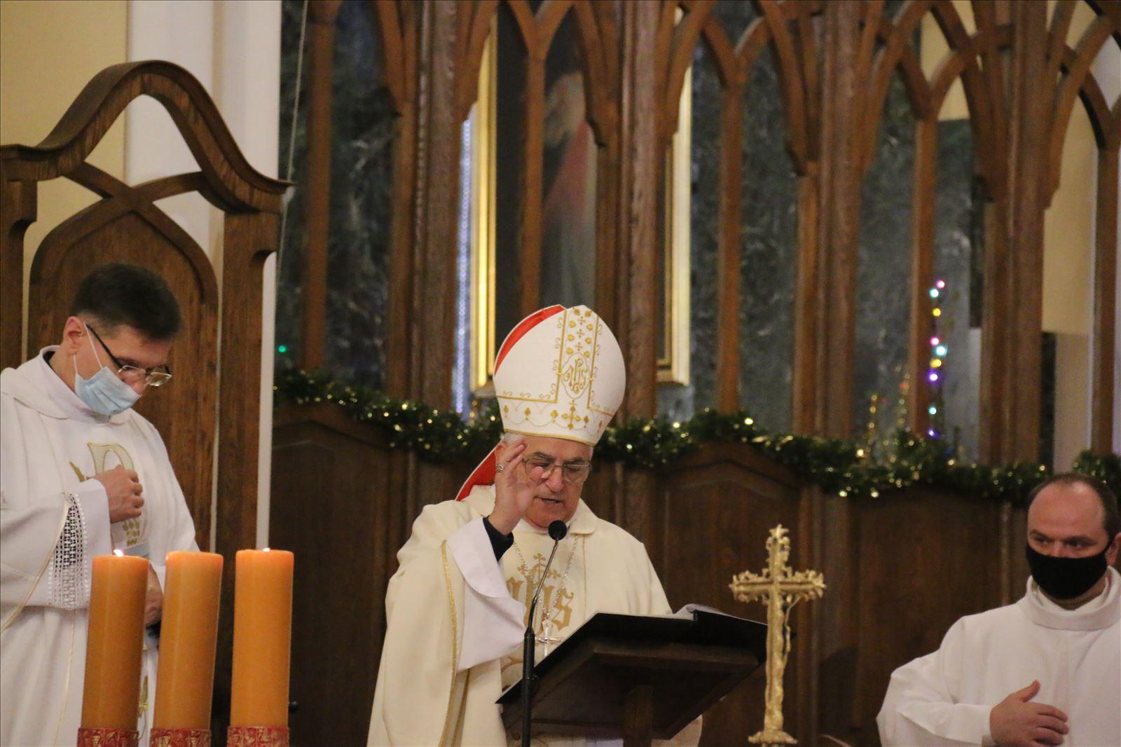 Апостольский нунций в России возглавил рождественскую Мессу в столичном Кафедральном соборе Непорочного Зачатия Пресвятой Девы Марии (+ ФОТО)