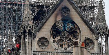 Детали разрушенных пожаром часов собора Парижской Богоматери изготовят в Санкт-Петербурге