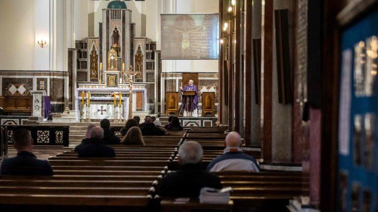 Польские епископы призвали верных к участию в Евхаристии
