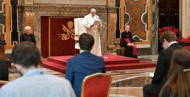 Папа: когда Бога изгоняют из общества, теряется человек