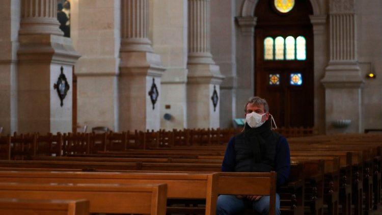 Французские католические епархии переживают острый финансовый кризис