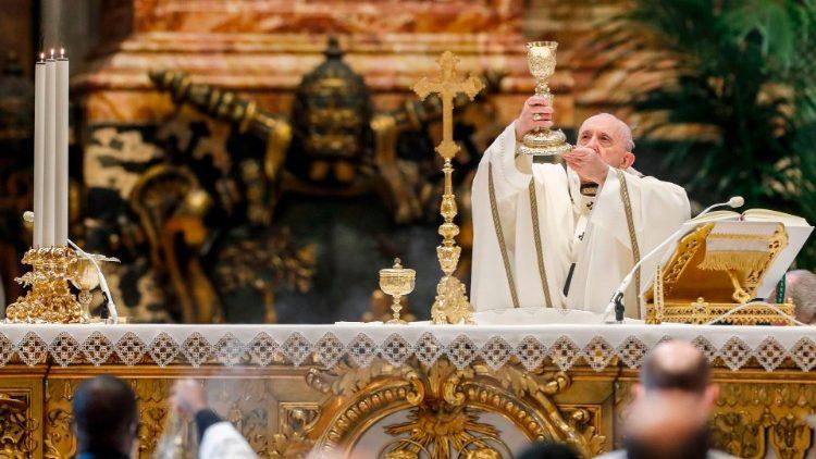 Папа Франциск возглавил Мессу торжества Богоявления в соборе Святого Петра