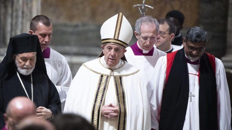 Папа Франциск призвал всех верных присоединиться к молитве о единстве христиан