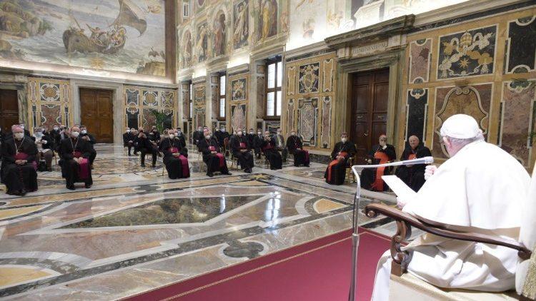 Папа Франциск итальянским катехизаторам: кто не следует II Ватиканскому Собору, тот не с Церковью