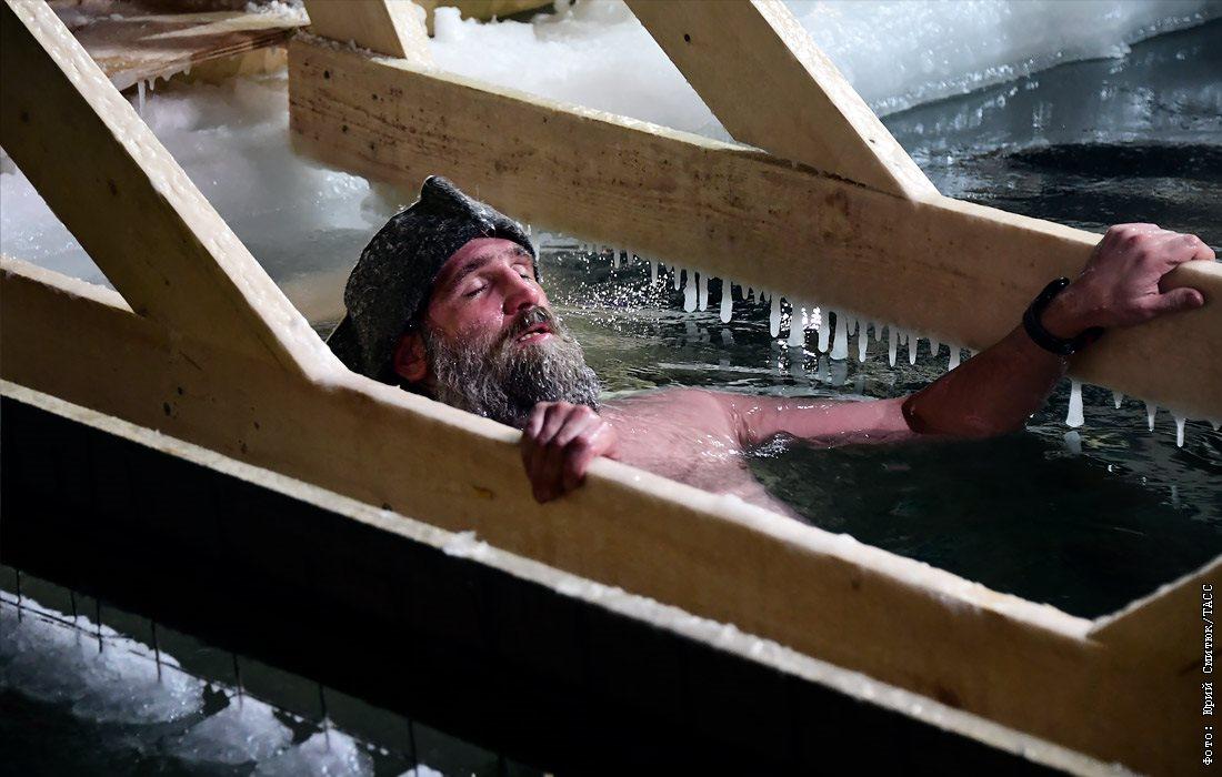 Более 100 тысяч москвичей пришли на крещенские богослужения. Это минимум в четыре раза меньше, чем в предыдущие годы