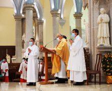 В связи с продолжающейся пандемией в различных поместных Католических Церквах вводятся те или иные ограничения