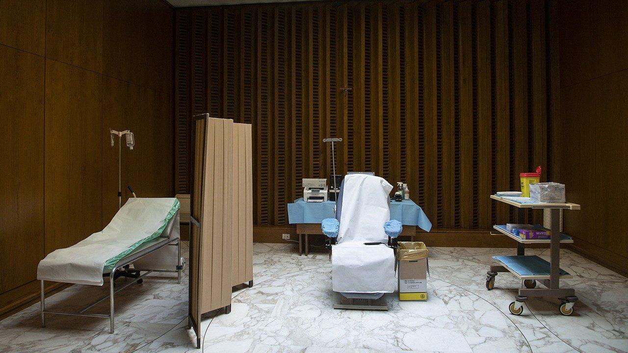 Зал Печати: начавшаяся вакцинация в Ватикане полностью добровольна