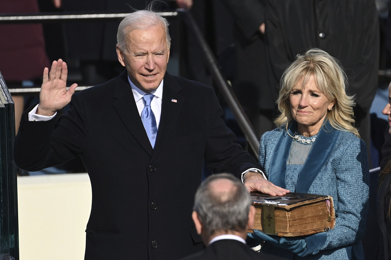 Папа поздравил Байдена по случаю инаугурации