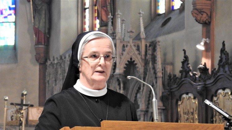 Монахини поблагодарили Папу Франциска за предоставленное женщинам право быть чтецами и аколитами
