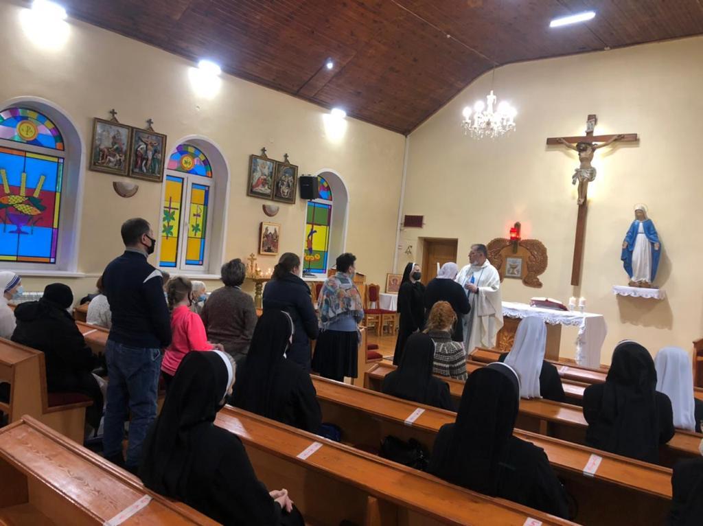 Таинство больных (Елеосвящения) в новосибирском приходе францисканцев