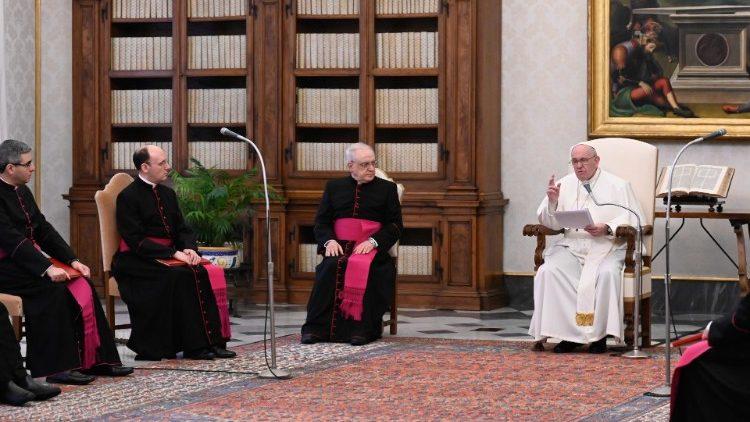 На общей аудиенции 10 февраля Папа Франциск продолжил свои размышления о молитве